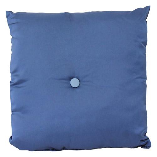 cuscino-raso-blu-con-bottone-azzurro