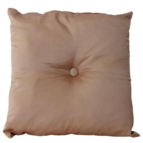 cuscino-raso-rosa-pesco-con-bottone