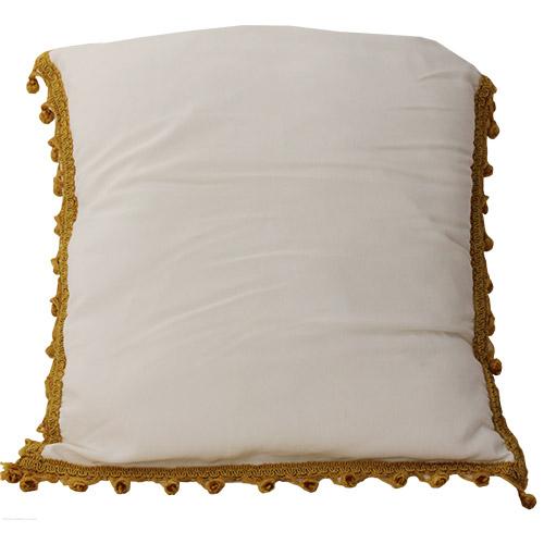 cuscino-bianco-con-nappine